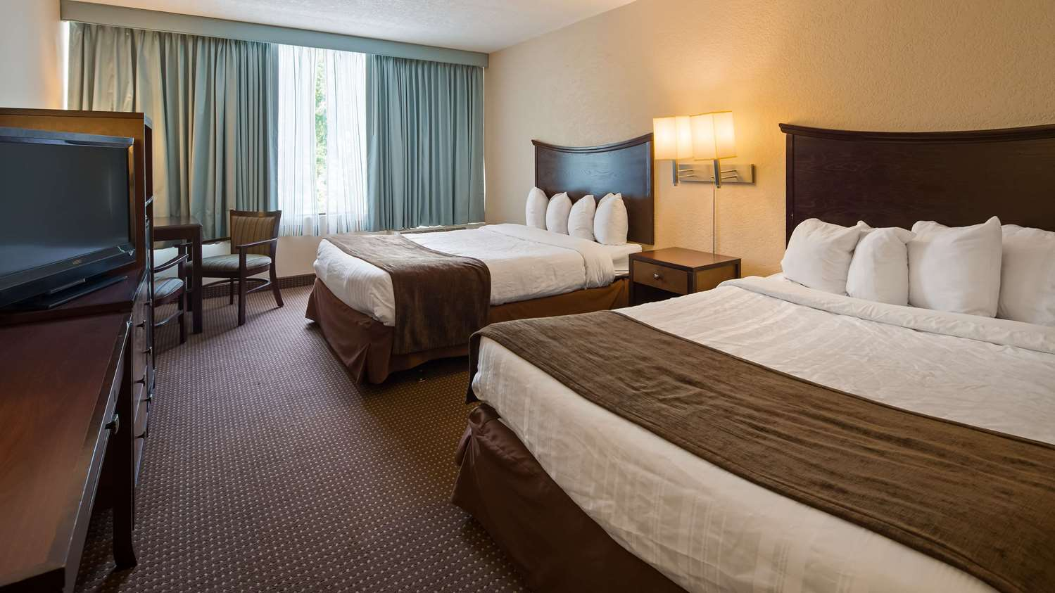 Room - SureStay Plus Hotel by Best Western Airport Albany