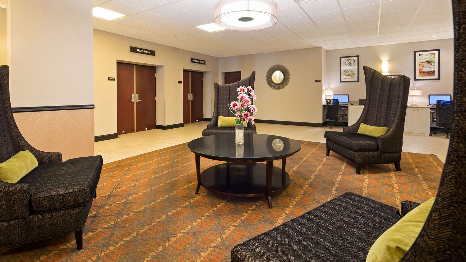 Lobby - SureStay Plus Hotel by Best Western Airport Albany