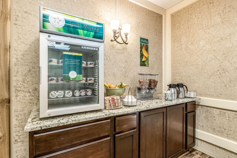Restaurant - Quality Inn & Suites Albert Lea