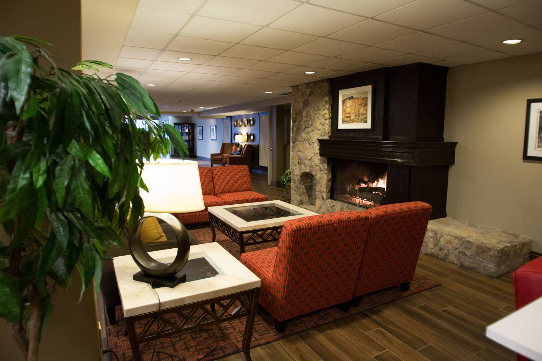 Lobby - Best Western Plus Stoneridge Inn & Suites London