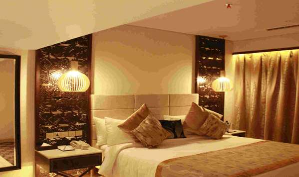 فندق NEELKANTH SAROVAR PREMIERE