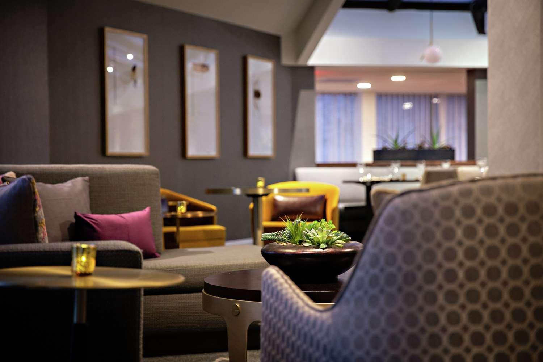 Doubletree by Hilton Fairfield Hotel &a