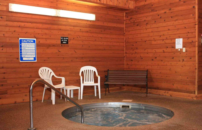 Pool - Best Western Lee's Motor Inn Chamberlain