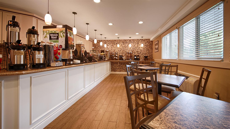 Restaurant - Best Western Harbor Springs Inn