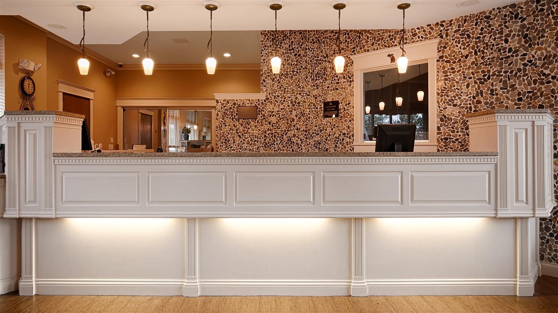 Lobby - Best Western Harbor Springs Inn