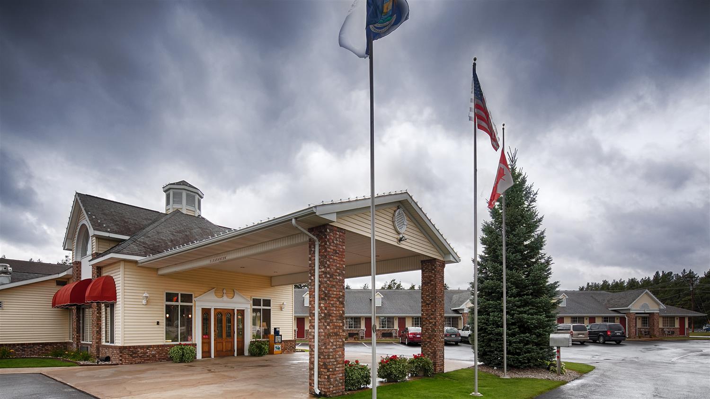 Exterior view - Best Western Harbor Springs Inn