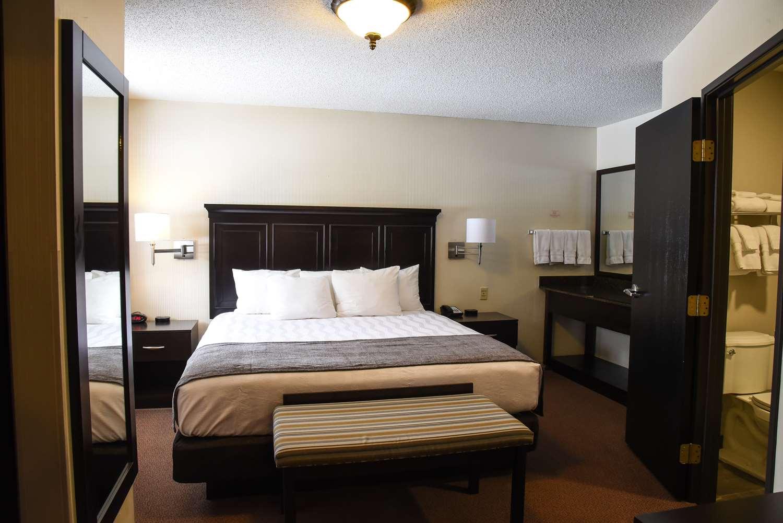 Suite - Best Western Harbor Springs Inn
