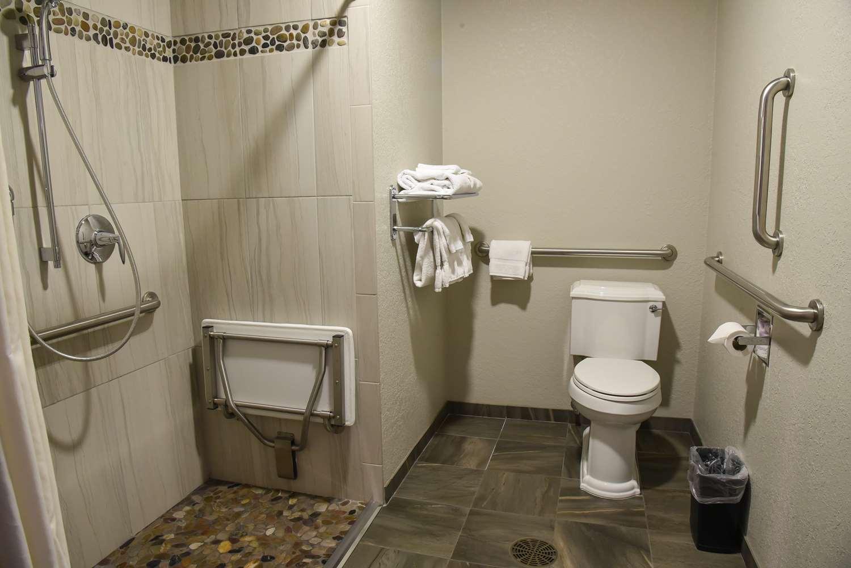 Room - Best Western Harbor Springs Inn