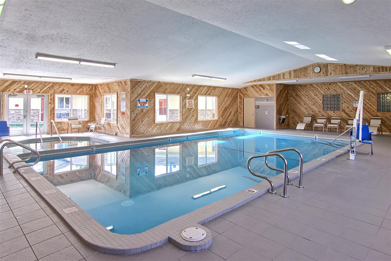 Pool - Best Western Harbor Springs Inn