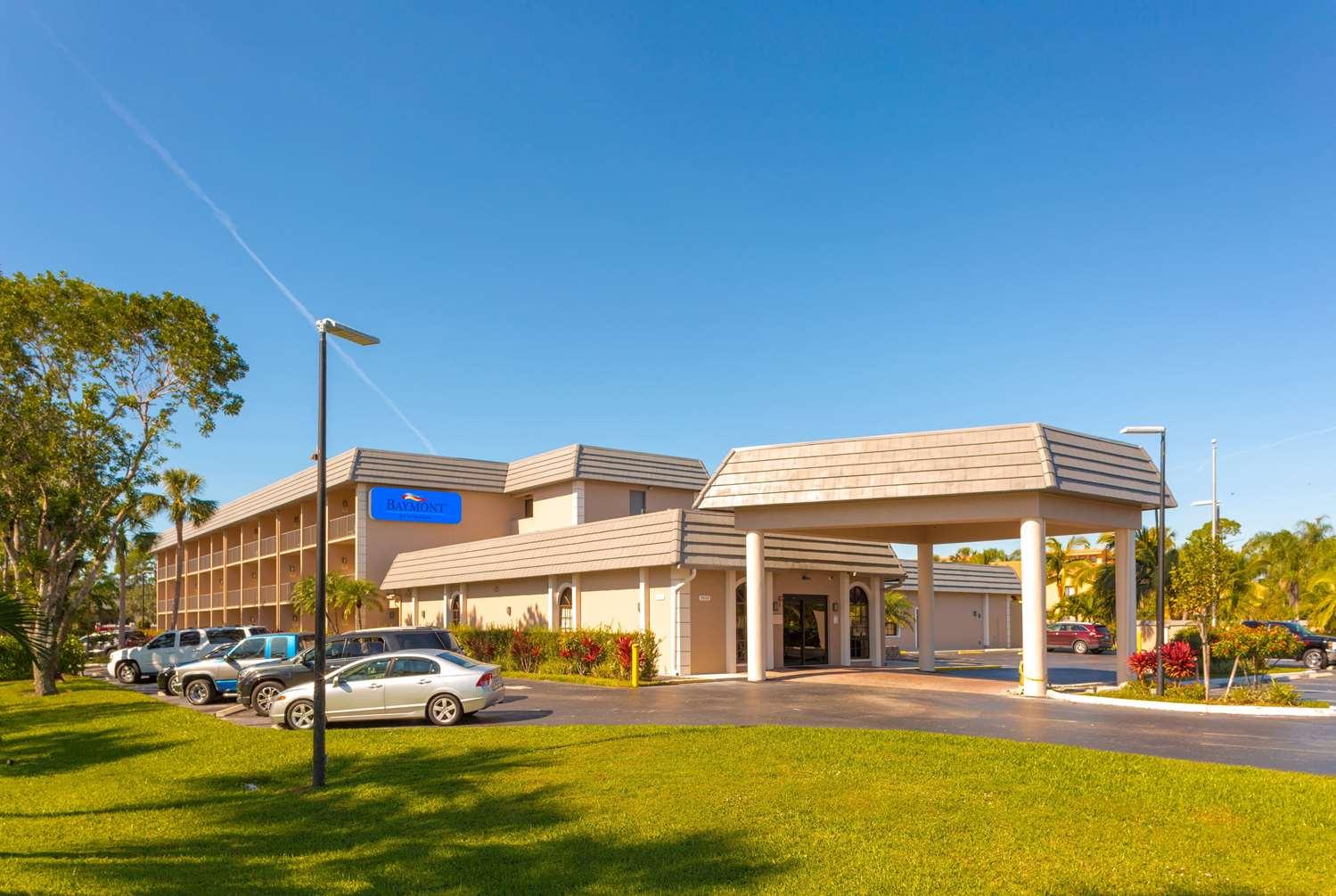 Exterior view - Baymont Inn & Suites Bonita Springs