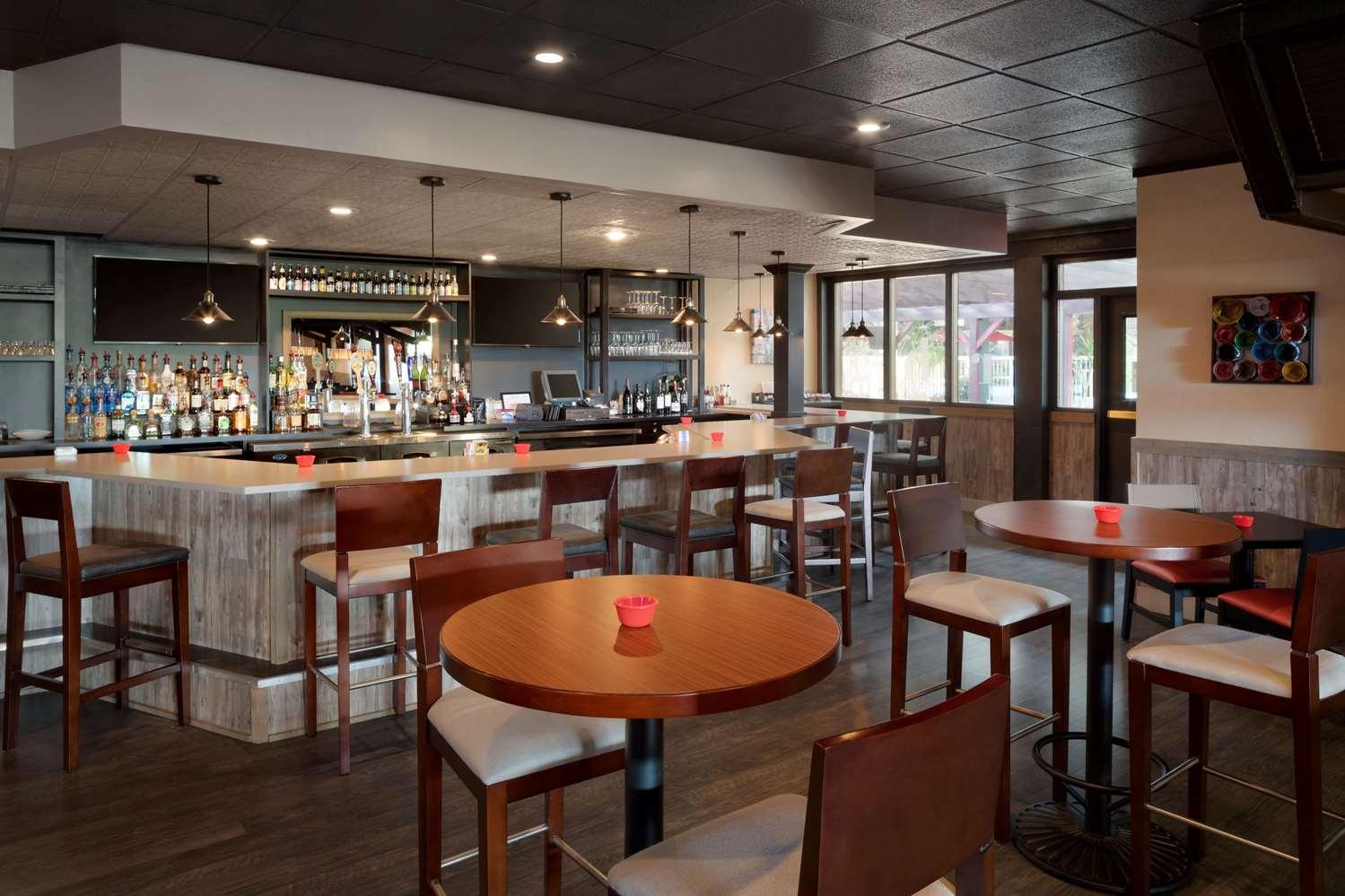 Bar - Ramada Inn Uniontown