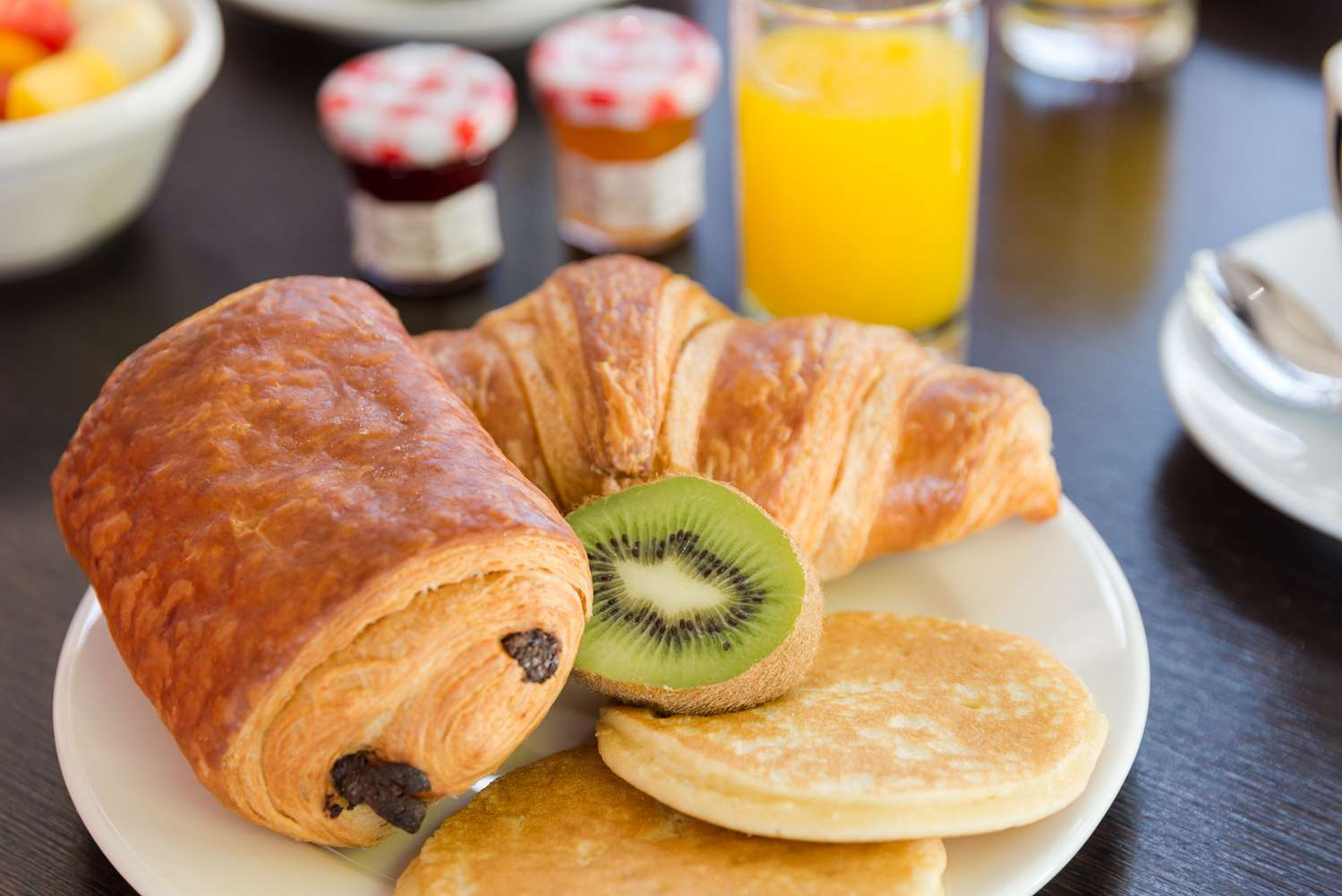 NewBrand FR nimes petit dejeuner