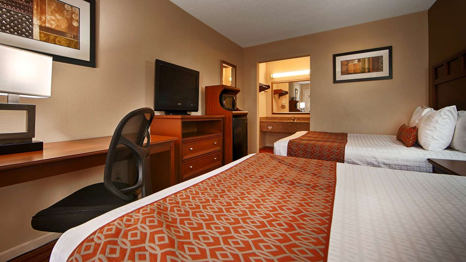 Room - SureStay Hotel by Best Western Jackson