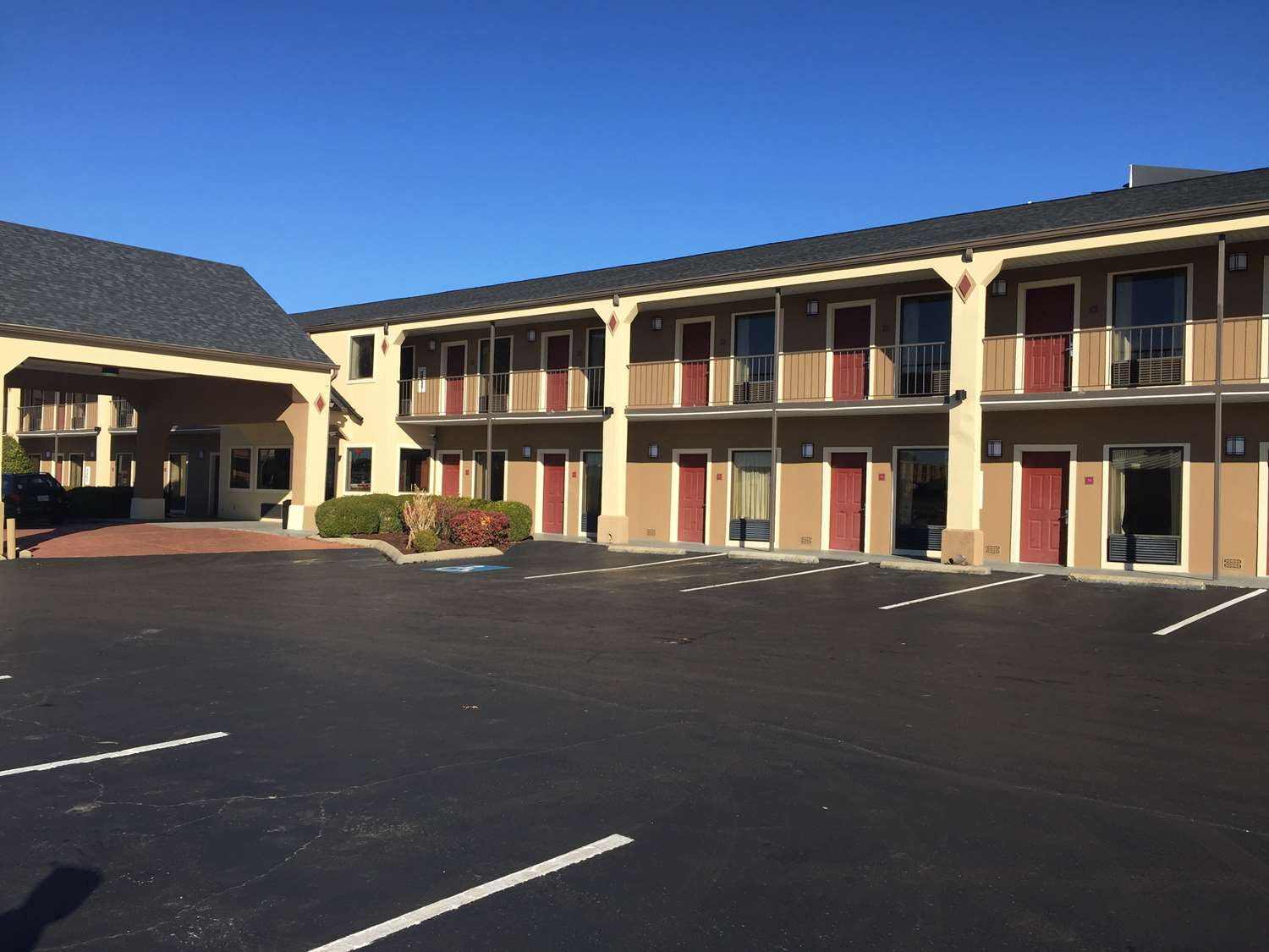 Exterior view - SureStay Hotel by Best Western Jackson