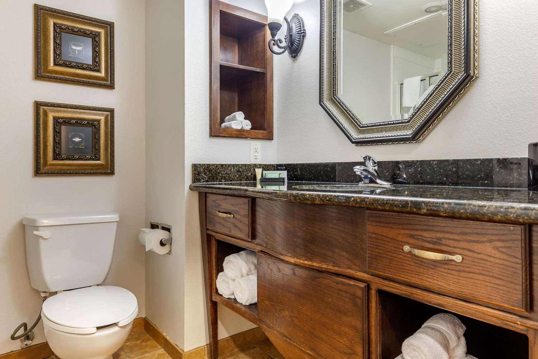 Suite - Clarion Inn Sulphur Springs