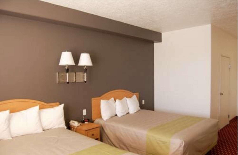 Suite - SureStay Plus Hotel by Best Western Naples