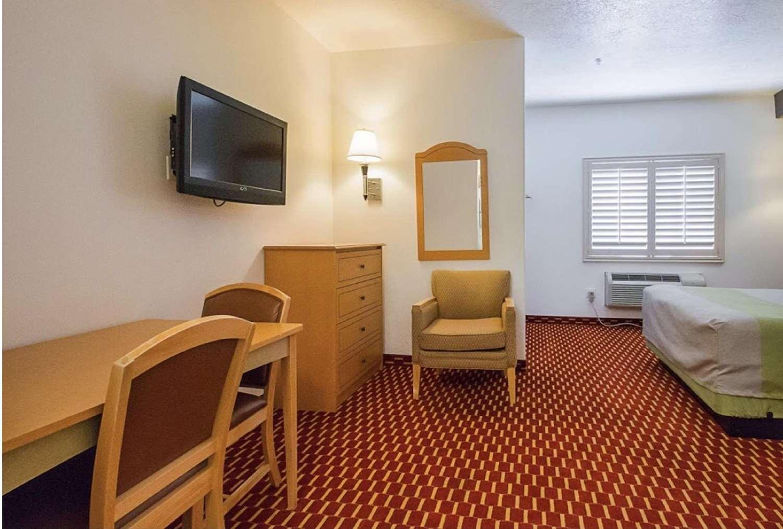 Amenities - SureStay Plus Hotel by Best Western Naples