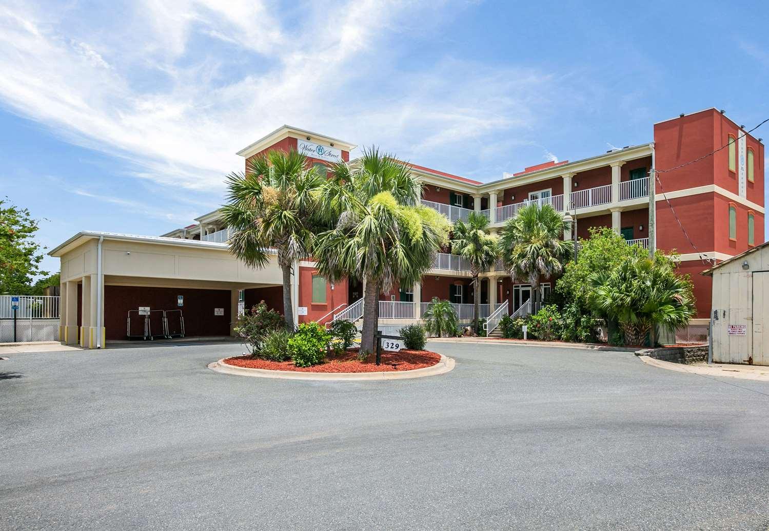 Exterior view - Water Street Hotel & Marina Apalachicola