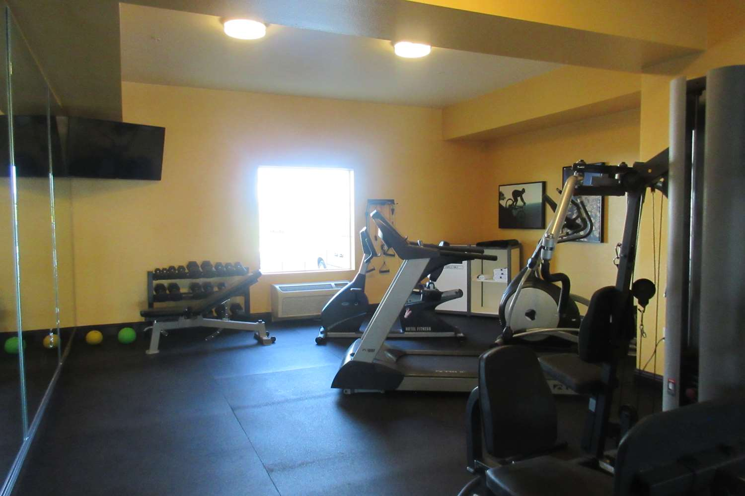 Fitness/ Exercise Room - Best Western Crater Lake Highway White City Hotel