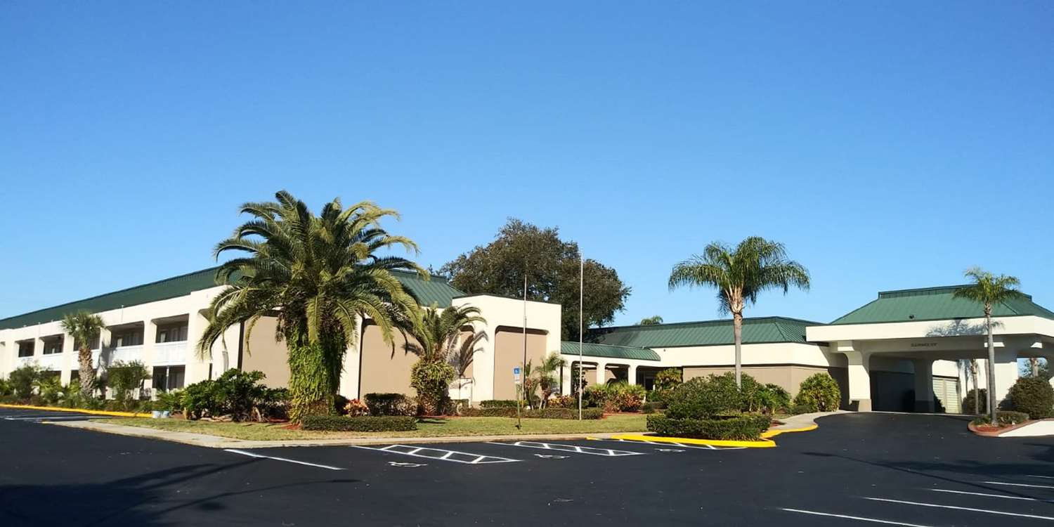 Exterior view - SureStay Plus Hotel by Best Western Clearwater Central