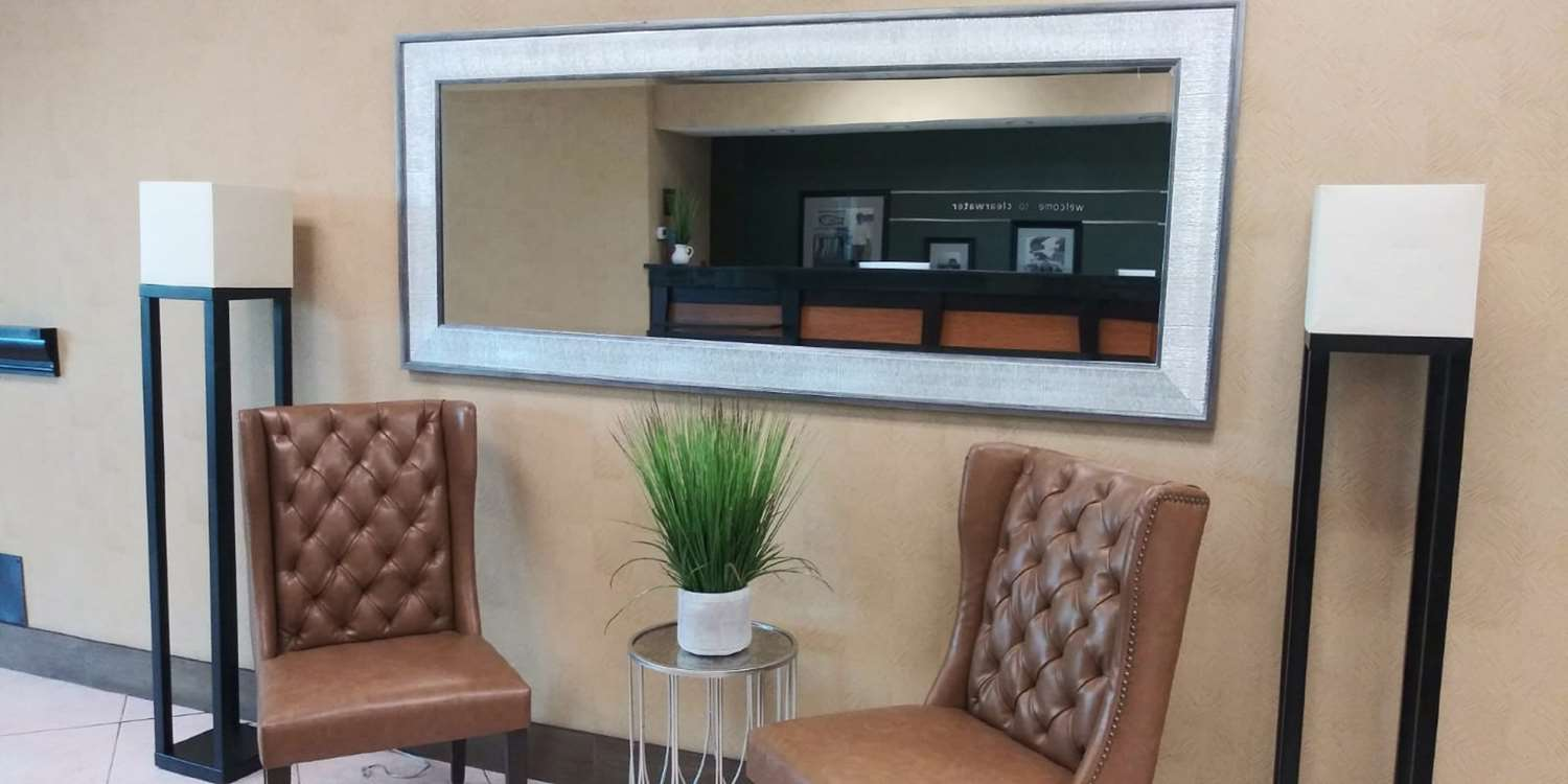 Lobby - SureStay Plus Hotel by Best Western Clearwater Central