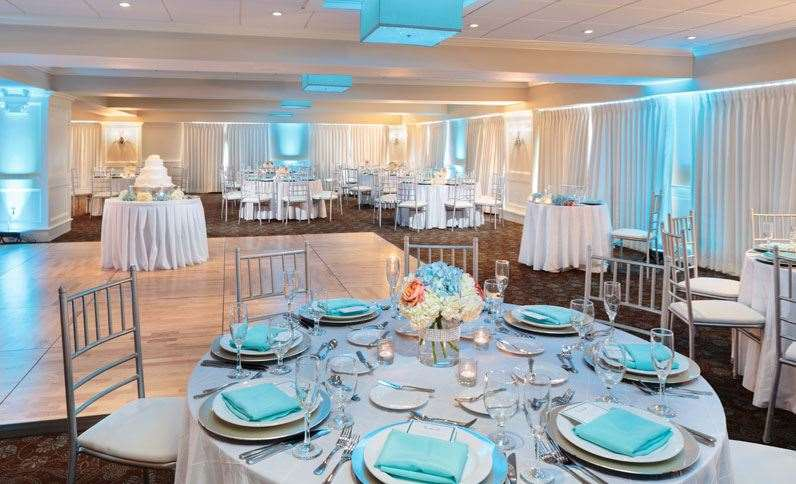 Ballroom - Nantasket Beach Resort Hull