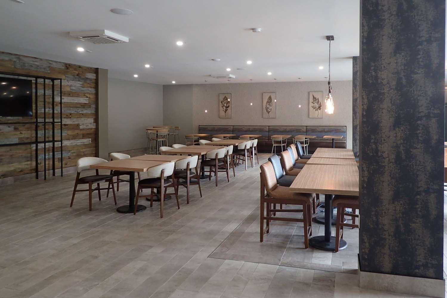 Restaurant - Clarion Inn Gatlinburg