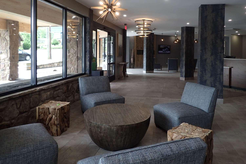 Lobby - Clarion Inn Gatlinburg