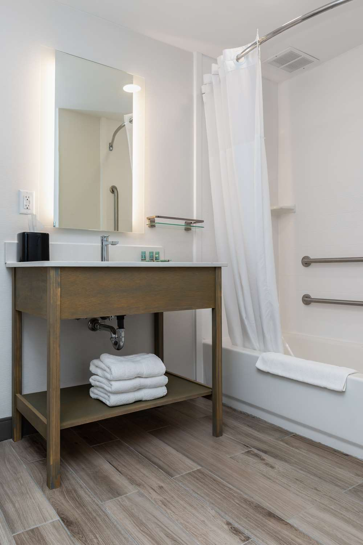 Best Western Hotel Room: Best Western West Lebanon Hanover Hotel, NH