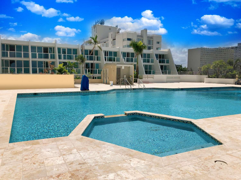 Pool - Mare St Clair Hotel Isla Verde San Juan