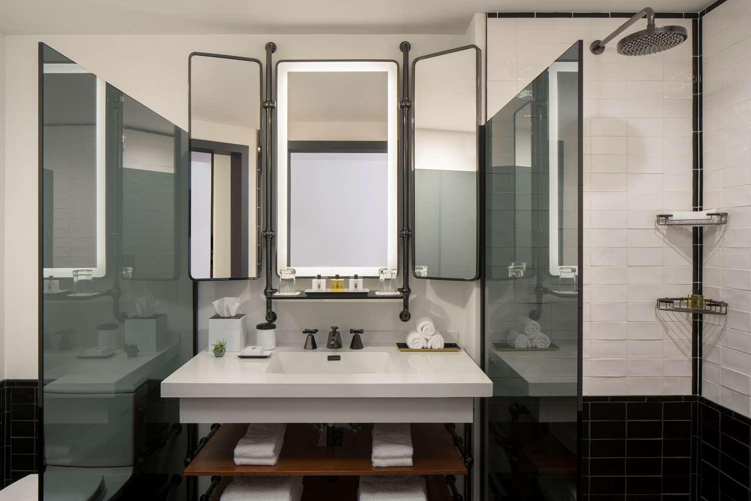 Room - Thompson Hotel Seattle