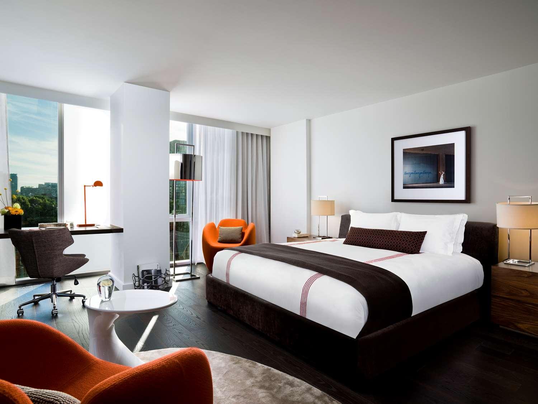 Exterior view - Thompson Hotel Toronto