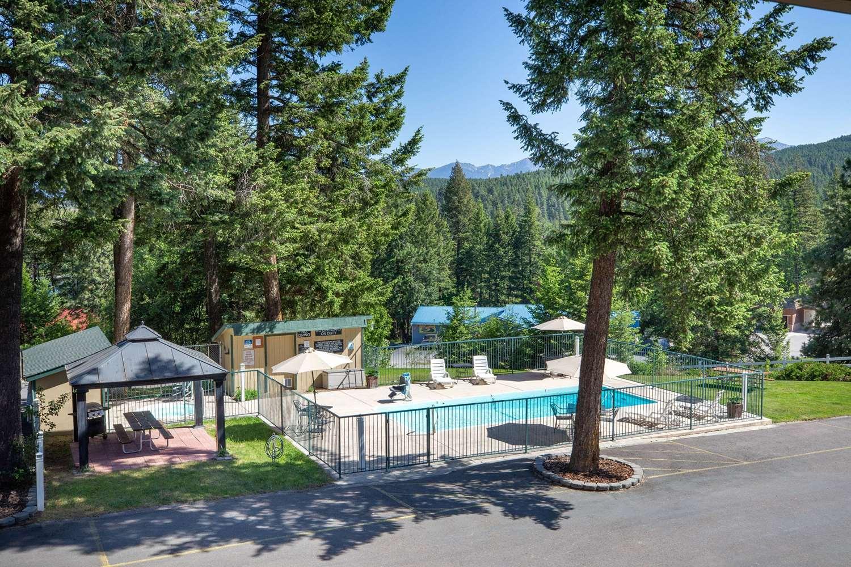 Pool - Timbers Motel Travelodge Bigfork