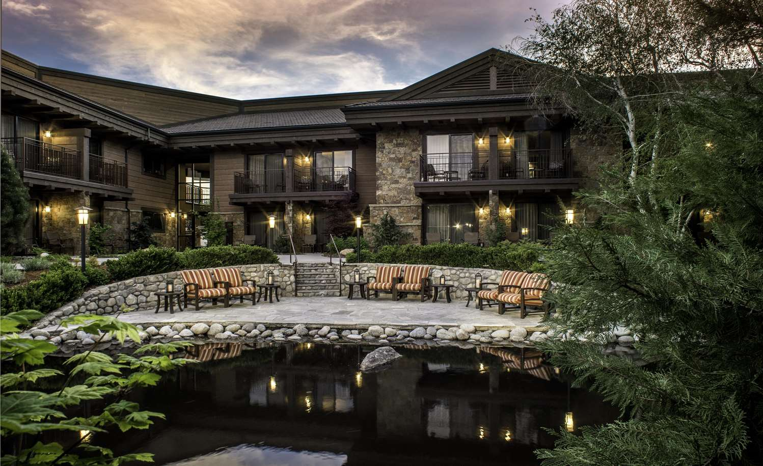 Exterior view - Creekside Inn Bishop