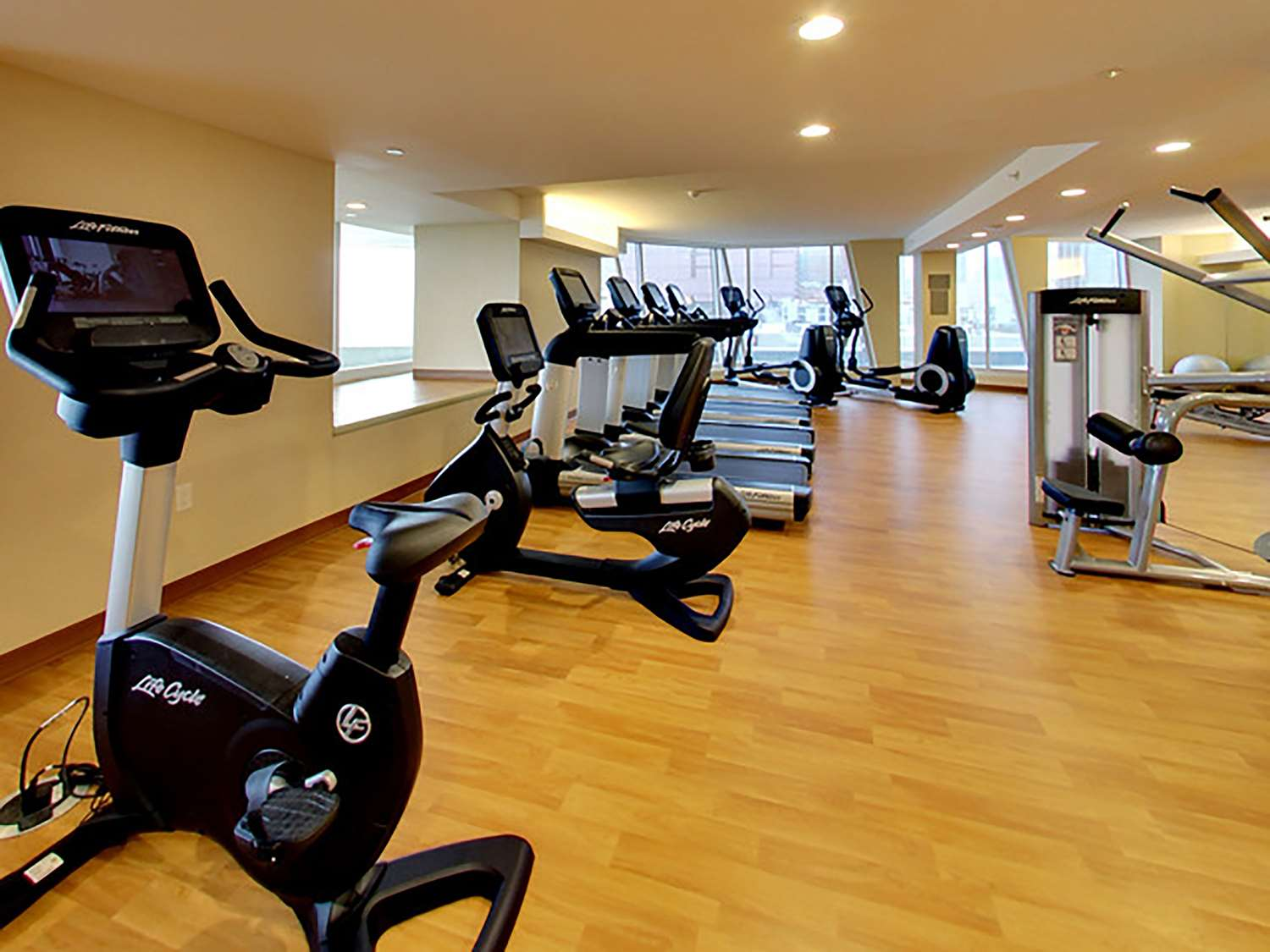 Fitness/ Exercise Room - DoubleTree by Hilton Hotel Downtown Edmonton