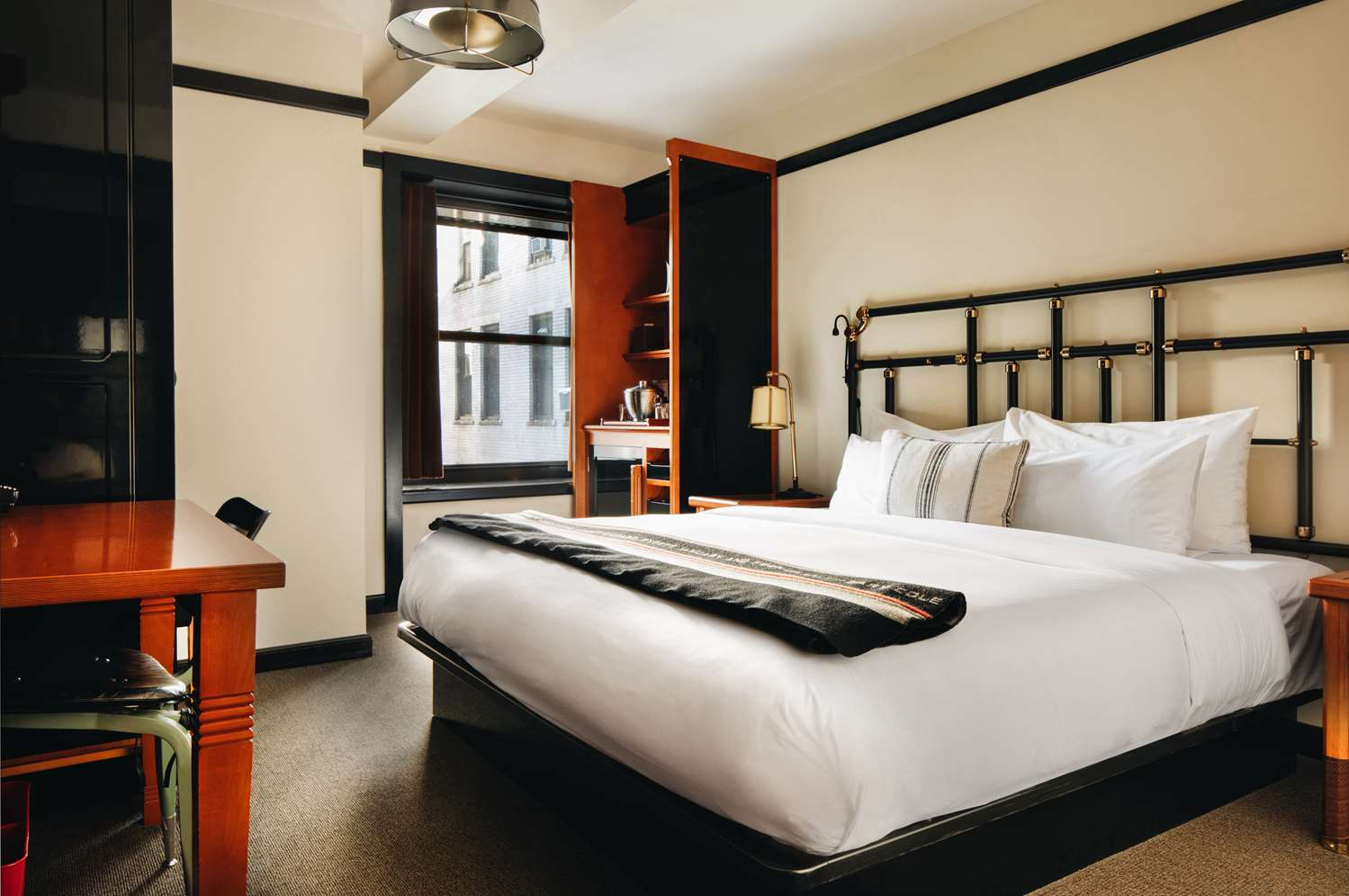 Room - Chicago Athletic Association Hotel