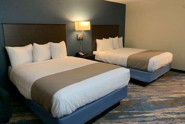 Room - AmericInn Prairie du Chien