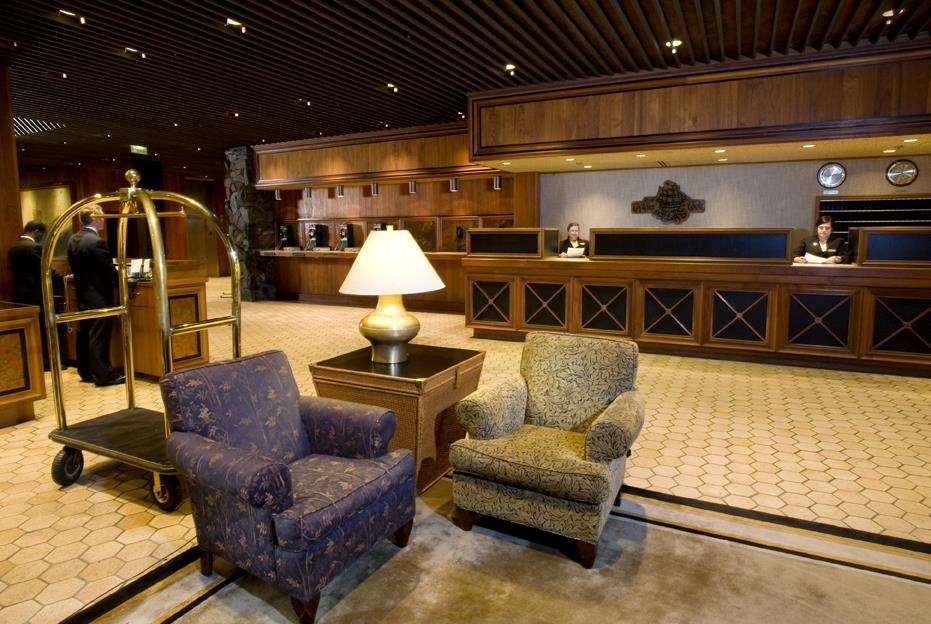 Lobby - Hotel Captain Cook Anchorage