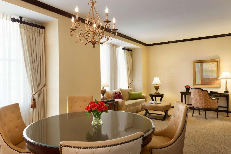 Room - Hotel du Pont Wilmington