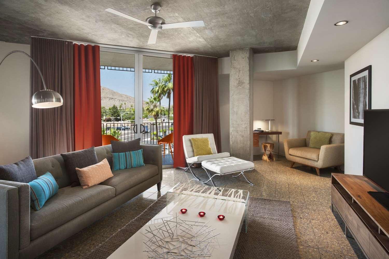 Room - Hotel Valley Ho Scottsdale