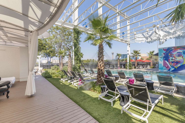 Pool - Lorenzo Hotel Downtown Dallas