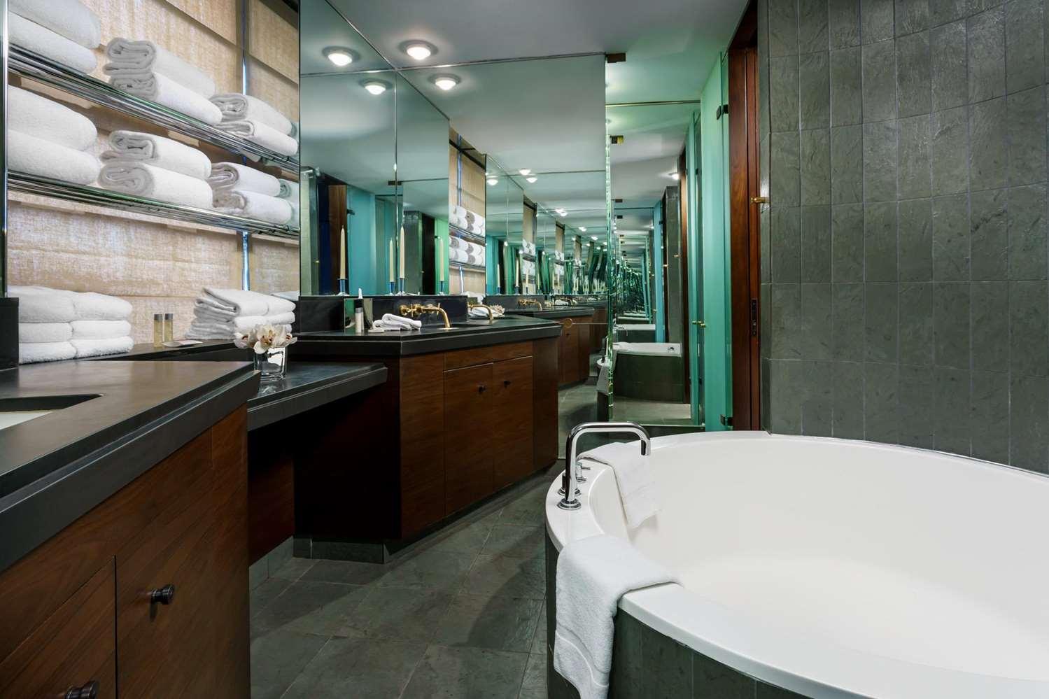 Room - Royalton Hotel New York
