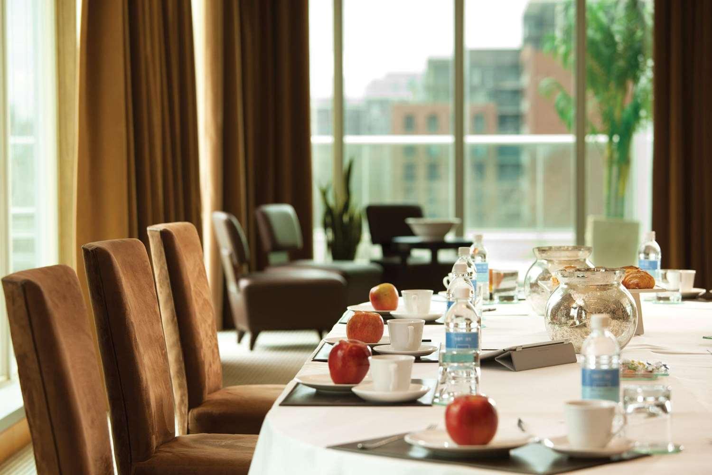 - SoHo Metropolitan Hotel & Residences Toronto