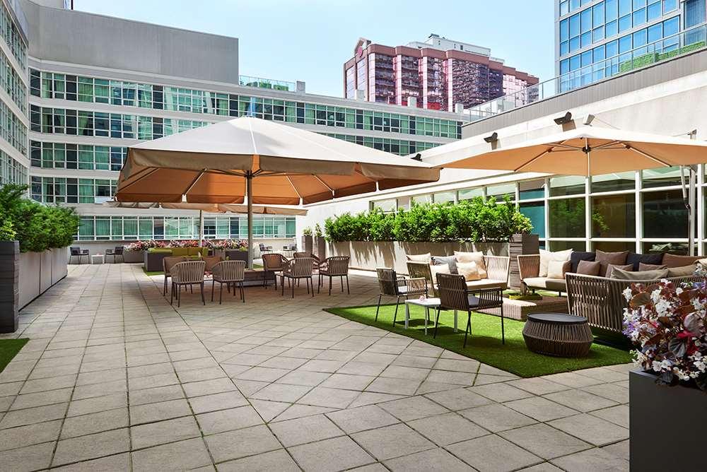 Exterior view - SoHo Metropolitan Hotel & Residences Toronto