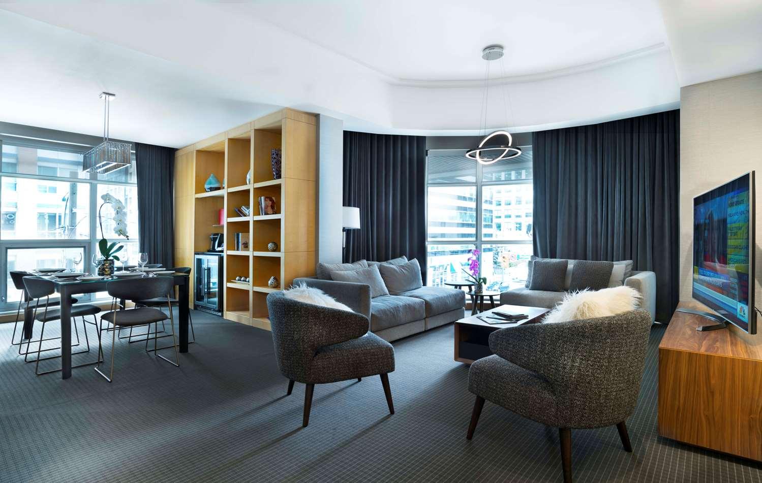 Suite - SoHo Metropolitan Hotel & Residences Toronto