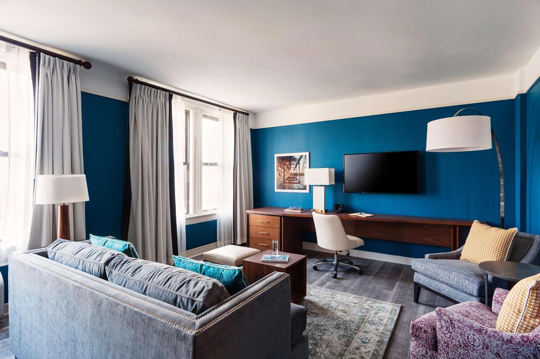 Room - Commonwealth Park Suites Hotel Richmond