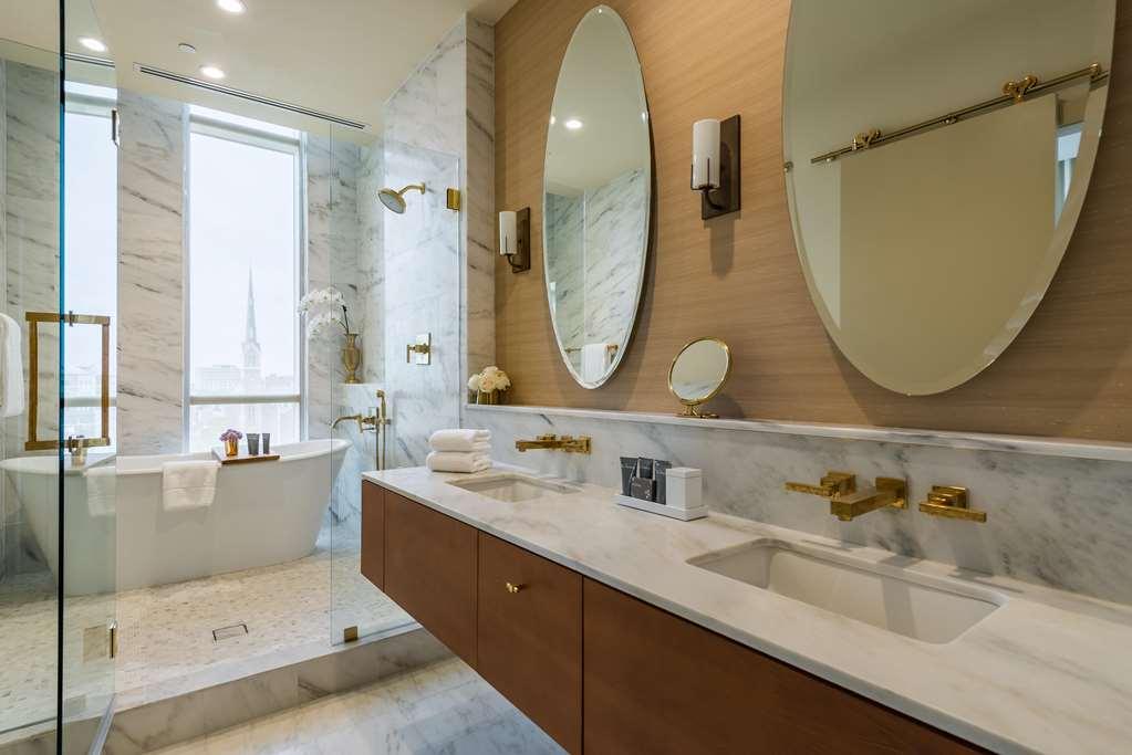 Charleston Flat Bathroom