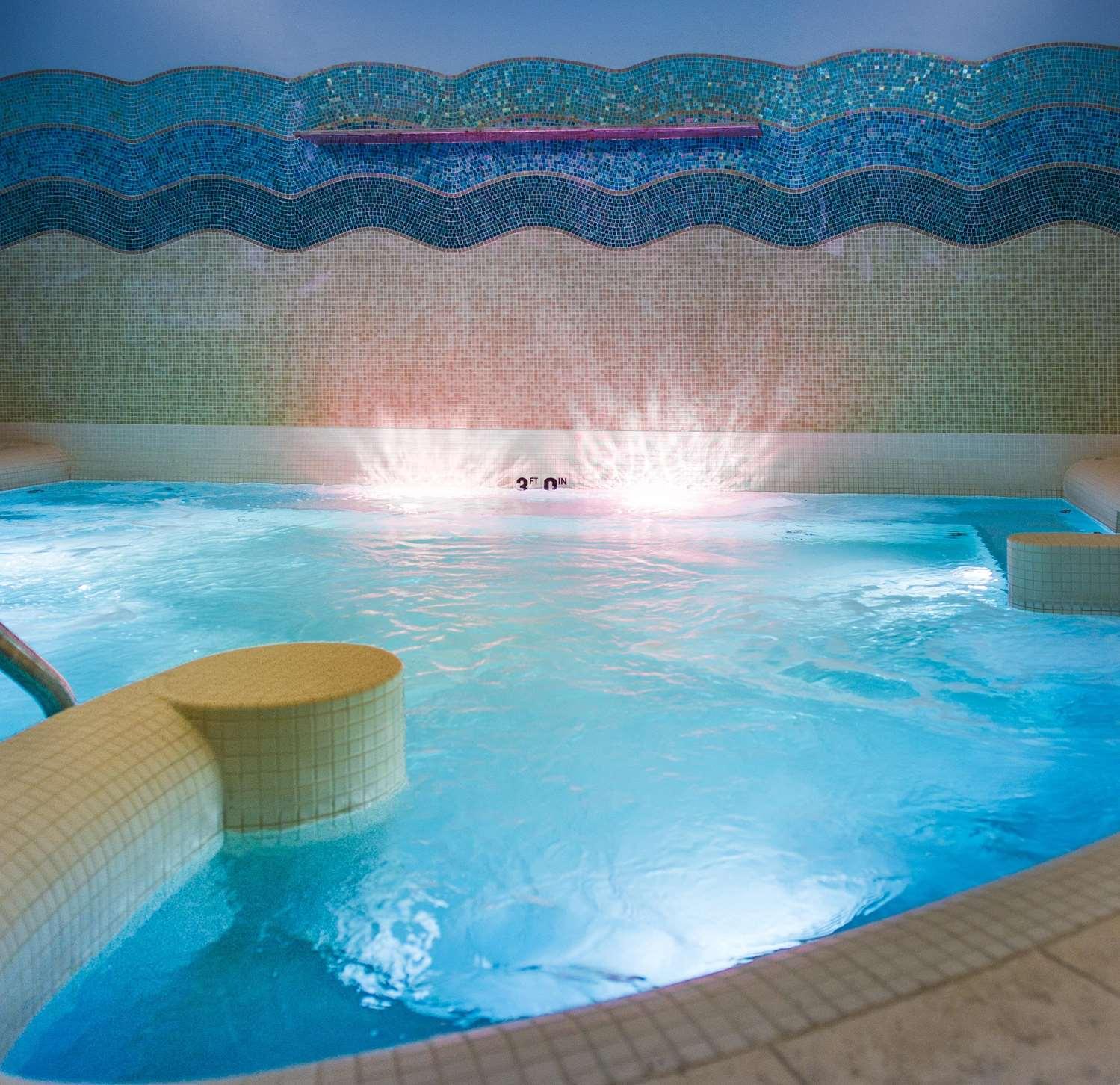 Pool - Edgewater Hotel Madison