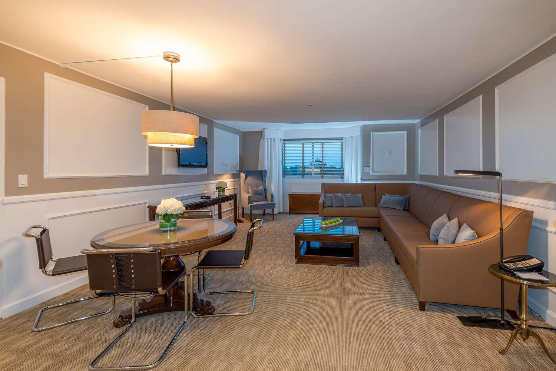 Room - Garden City Hotel