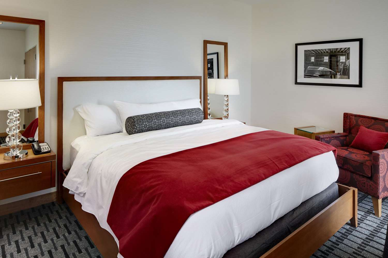 Room - Hotel at Kirkwood Center Cedar Rapids